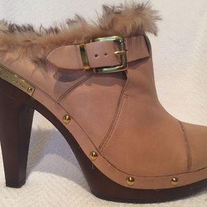 BCBGeneration Beige Leather Faux Fur Heels Size 9